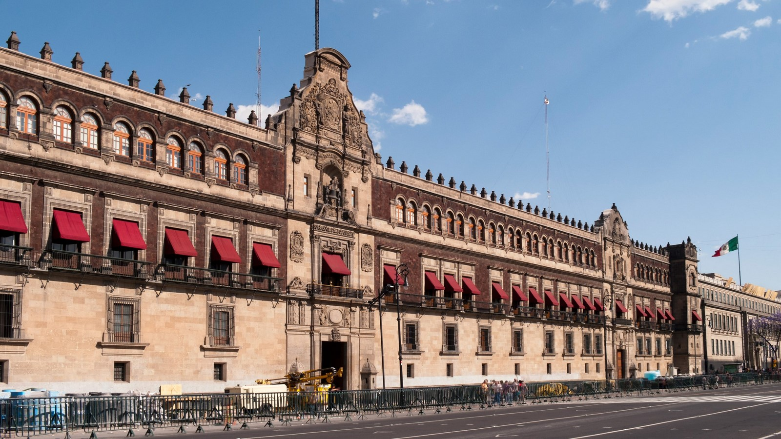 Past, Present and Future: Architecture of Mexico - Sheet4