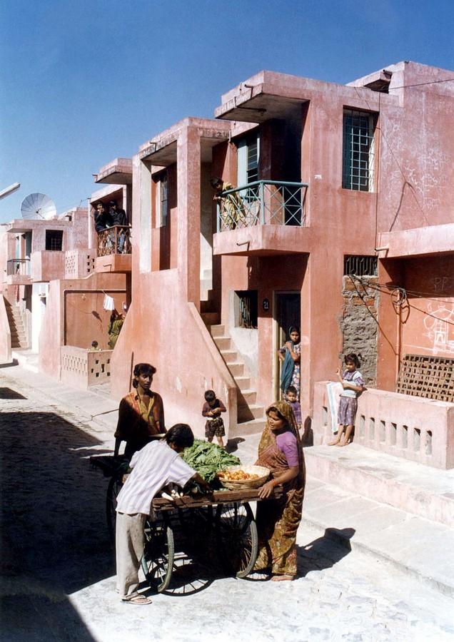Aranya Low-cost Housing by B.V Doshi Low-cost urban housing - Sheet4