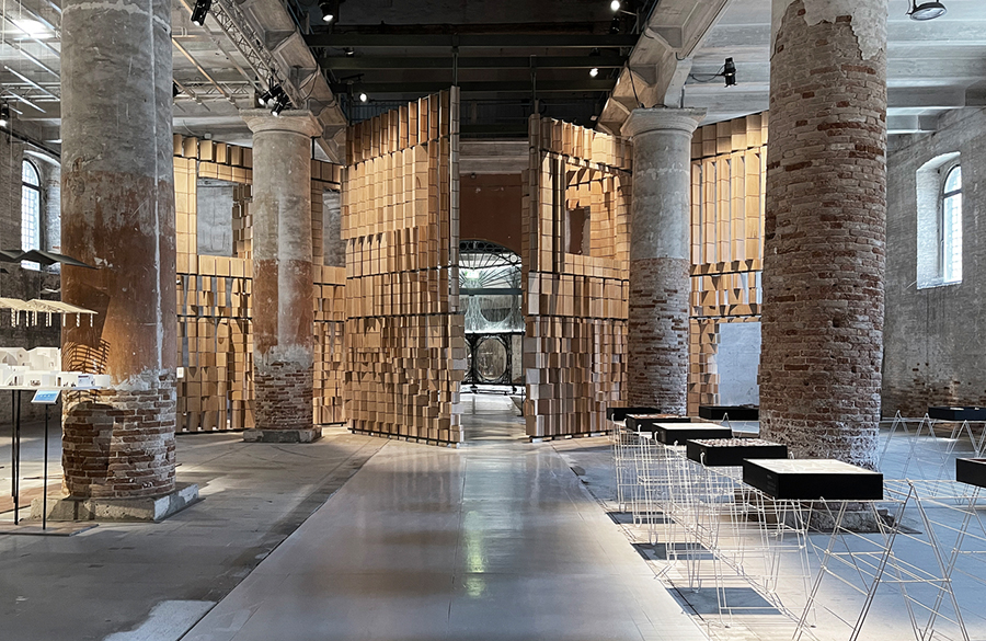 Dialogue Between Architecture and the Environment celebrated by Leonmarcial Installation at the Venice Biennale 2021