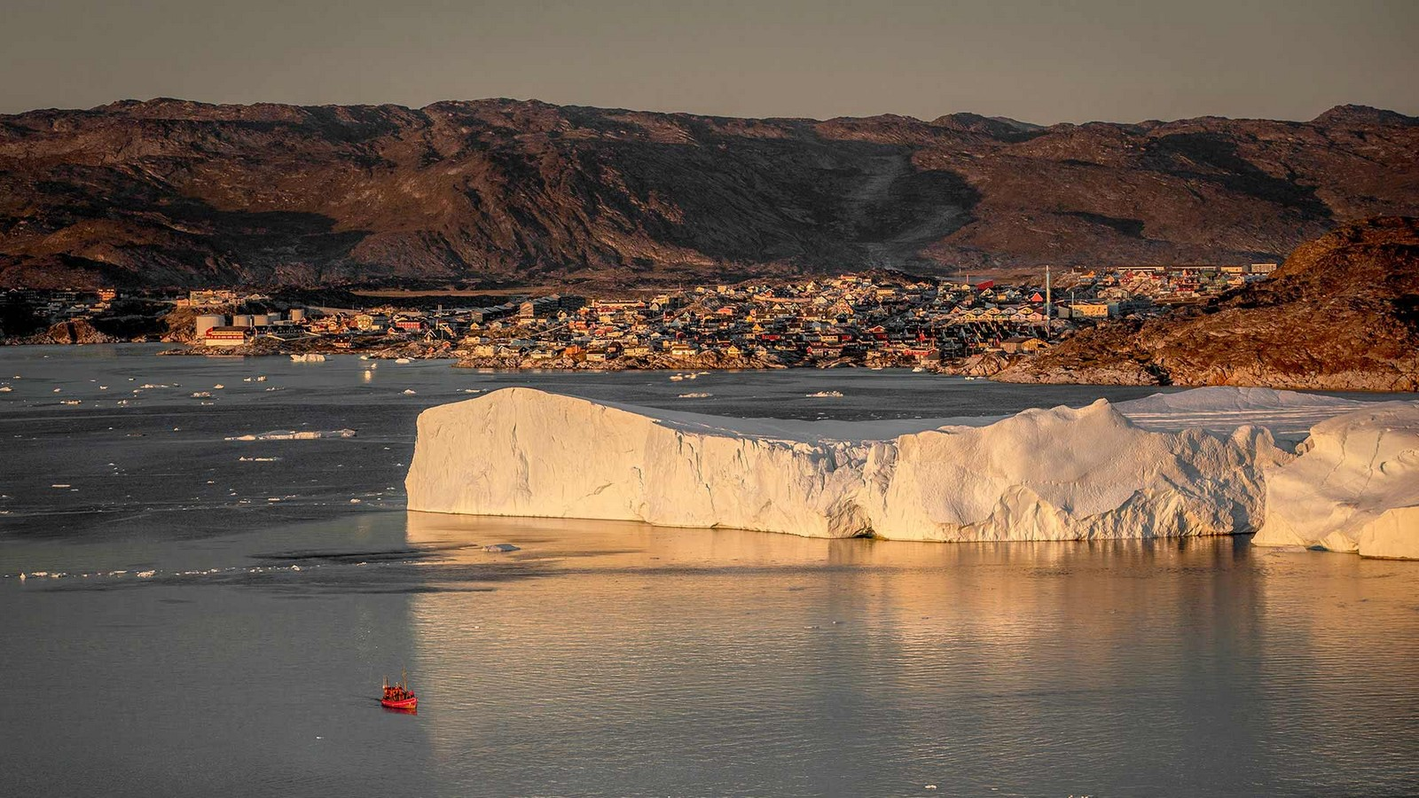 Curved Icefiord Centre In The UNESCO-Protected Area Of Greenland completed by Dorte Mandrup - Sheet3