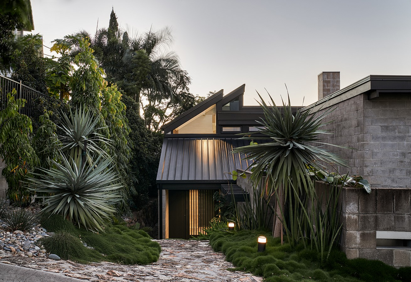 Chambers House by Shaun Lockyer Architects: Raw, Crafted, Modernist building - Sheet2