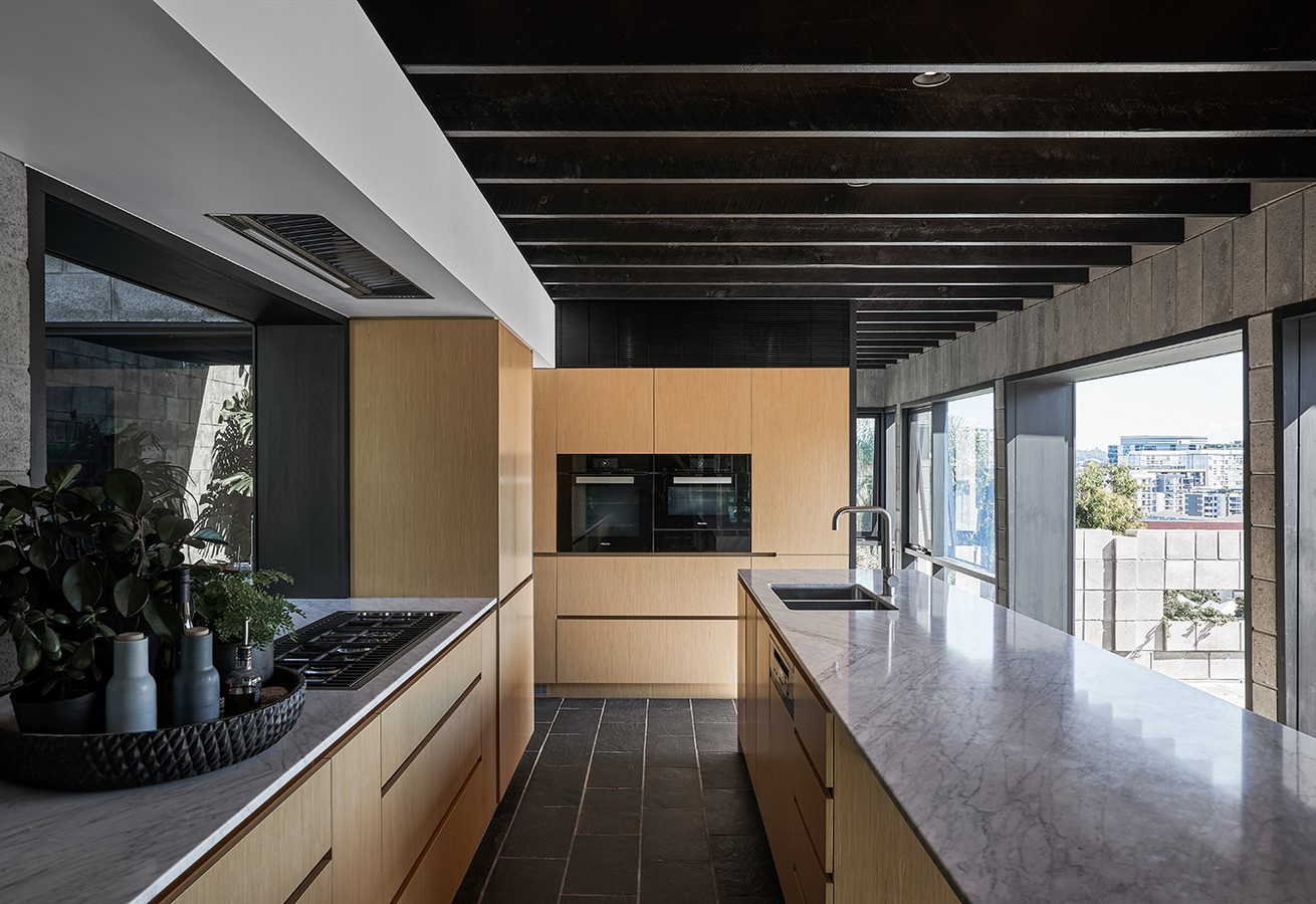 Chambers House by Shaun Lockyer Architects: Raw, Crafted, Modernist building - Sheet12
