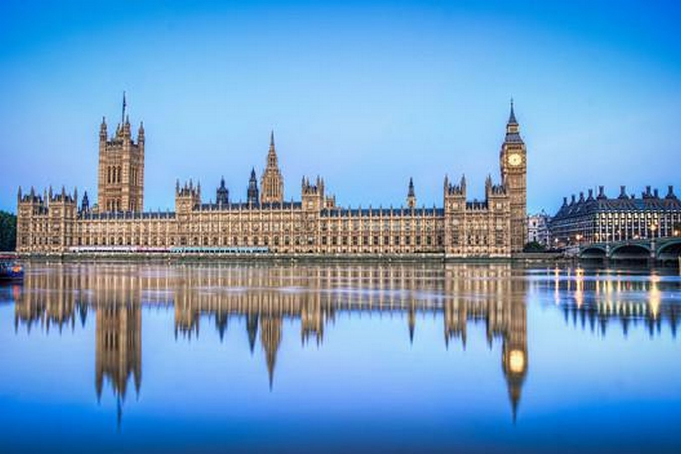 The politically inclined architecture of United Kingdom - Sheet1